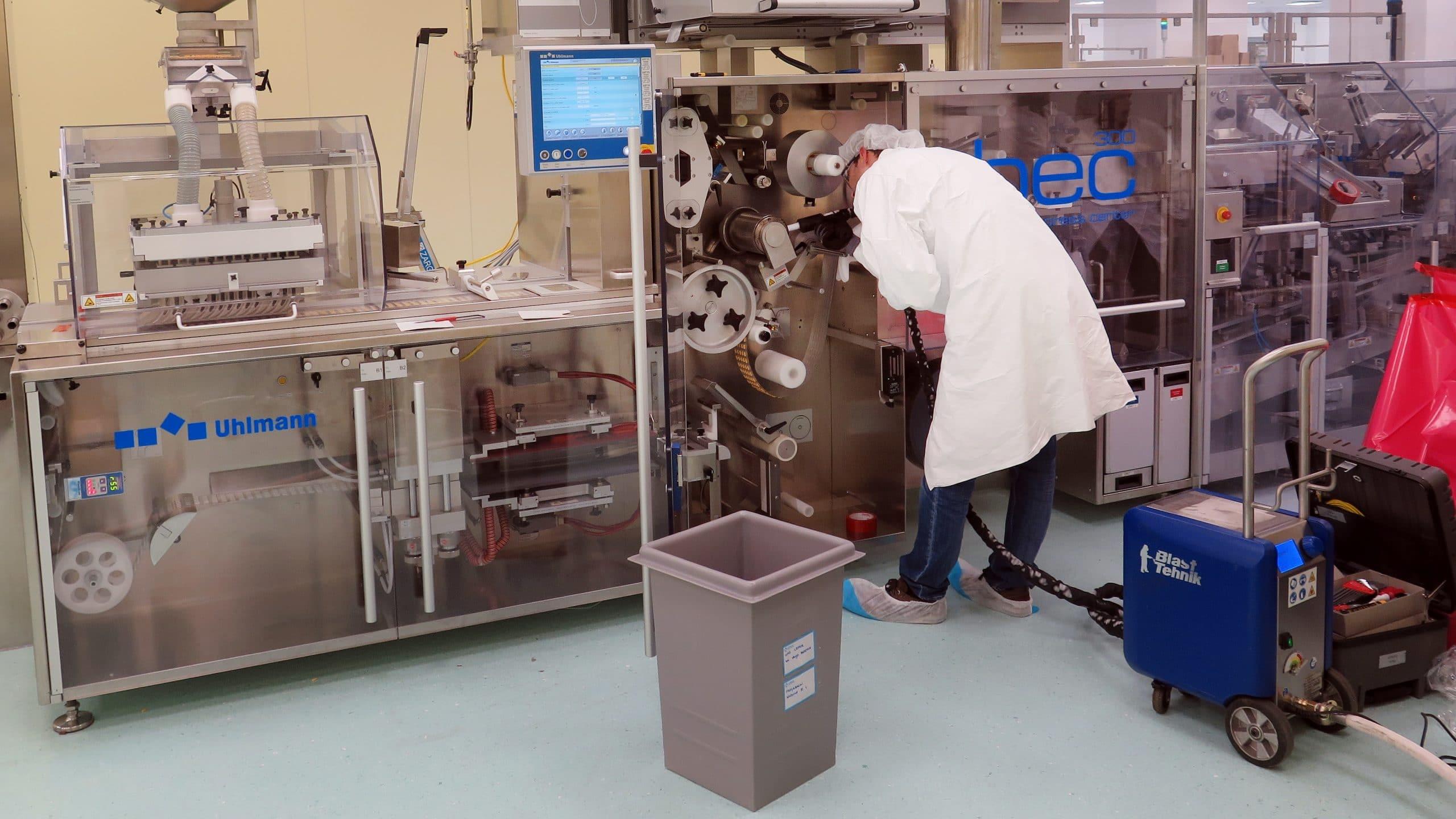 ciscenje proizvodne linije s suhim ledom v farmaciji 1